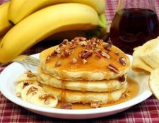 Бананові оладки. Рецепти приготування десерту