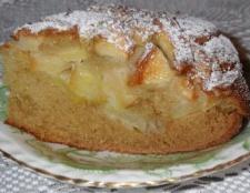 Бісквіт з яблуками. Приготування десерту в мультиварці і духовці