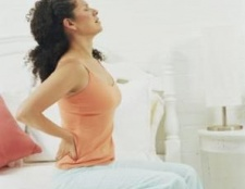 Що робити, якщо болить спина після сну?