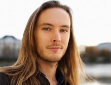 Довге волосся у чоловіків і кращі зачіски для них