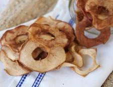 Як посушити яблука в духовці на зиму?