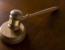 Як скласти позовну заяву до суду? Форма позовної заяви до суду