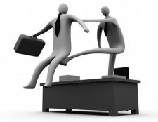 Як звільнити співробітника? За що можна звільнити співробітника? Наказ про звільнення - зразок