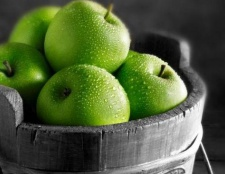 Калорійність зелених яблук в свіжому і печеному вигляді