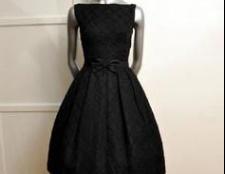 Класичні сукні як еталон жіночої одягу