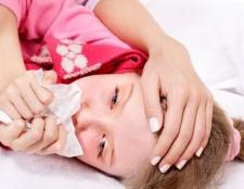 Лікування сухого кашлю у дітей: кілька дієвих рецептів