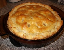Пиріг з м'ясом з листкового тіста. Особливості приготування