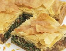 Пиріг зі шпинатом: рецепти