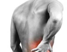 Чому виникає біль справа в спині? Що робити, якщо біль справа під ребрами віддає в спину?