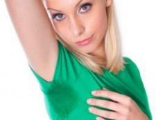 Підвищена пітливість у жінок: причини і лікування