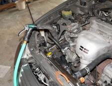 Промивання системи охолодження двигуна. Пристрій системи охолодження двигуна