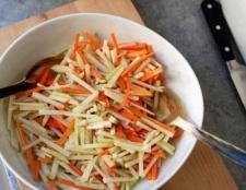 Салат з кольрабі: рецепт з яйцем і з майонезом (фото)