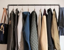 Стійка для одягу: як зробити своїми руками