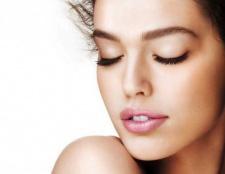 Суха шкіра обличчя: причини і лікування. Маска для обличчя в домашніх умовах