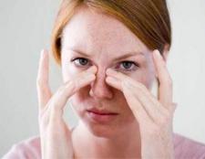 Закладеність носа: лікування народними засобами і традиційними