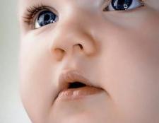 Зір у новонароджених: етапи розвитку